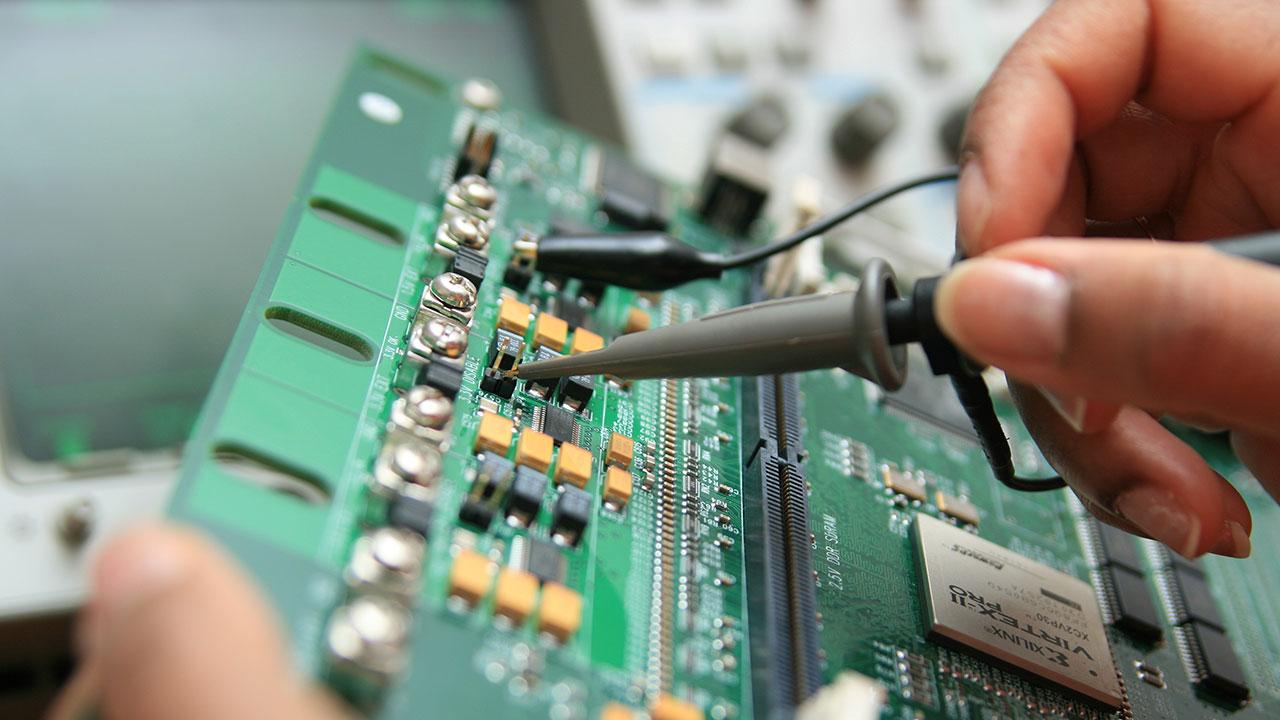 SUBTOP : intégration et réparation des systèmes électroniques